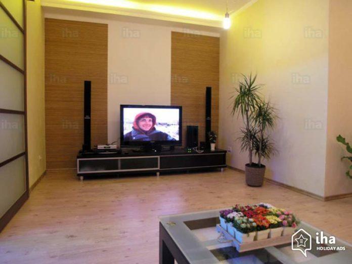 Jak rozmieścić głośniki kina domowego?